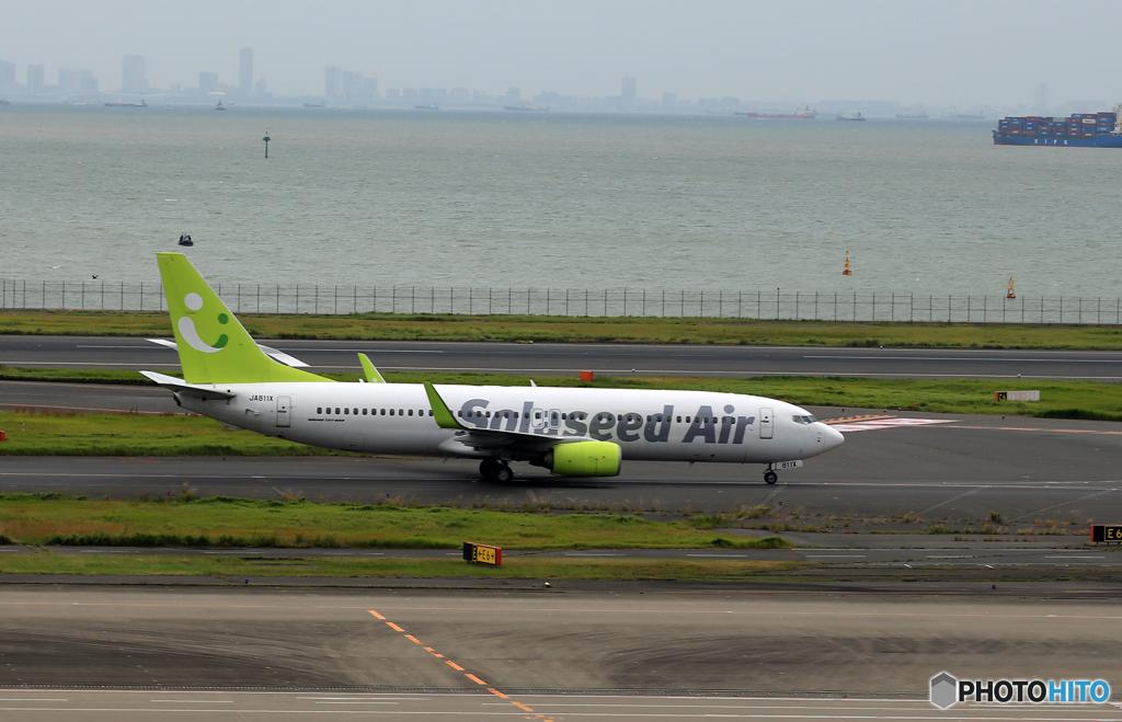 「くもり」ソラシド 738−800  JA811X  Takeoff