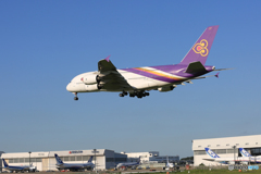 「晴れ」 THAI A380-841 HS-TUD 着地前