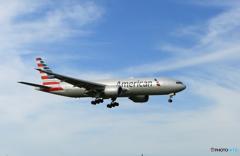 ☀「青い空」が一番 AMERICAN 787-9 到着です