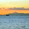 『SKY』思い出の1枚 淡い色の富士山と飛行機