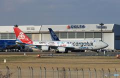 「ブルー」 Cargolux 747-8 LX-VCM 到着です