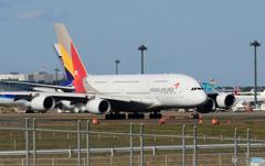 「青い日」ASIANA A380-841 HL7626 Takeoff