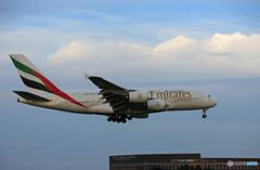 「すかい」 Emirates A380-861 A6-EUM 到着