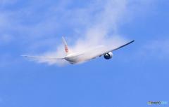 ☀「青い空」が一番 JAL 777飛ぶ ベイパー