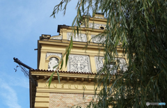 プラハ(511)カレル橋の端から見るミュージアム