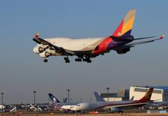 「あおいそら」 ASIANA 747-400 HL7413空港・風景