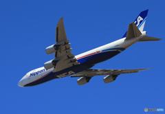 「群青色」 NCA 747-8KZF JA14KZ Takeoff