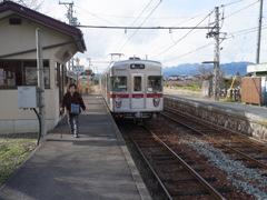 綿内駅にて