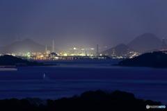 遠くに工場夜景