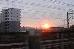 新幹線からの夜明け