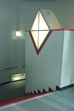 プラネタリウムホールの階段のあかりB