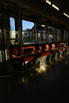 流鉄の旅 夕暮れ近くの座席