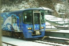 松本~糸魚川~長野 えちごトキめき鉄道