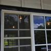 カフェ駅舎の窓
