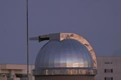 夕暮れの天文台