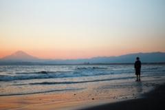 渚と富士山と