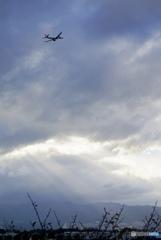 薄明光線と飛行機  ✨ …✈︎