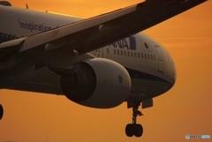 夕暮れの飛行機③
