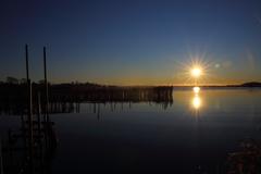 湖上の陽光