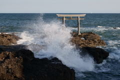 神磯の波しぶき