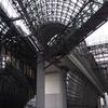 駅ビルの 幾何学模様 面白し