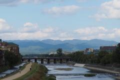 京定番 北山連峰 鴨川と