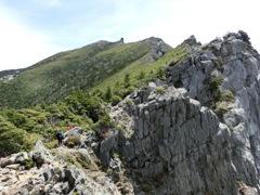 金峰山山頂までの稜線