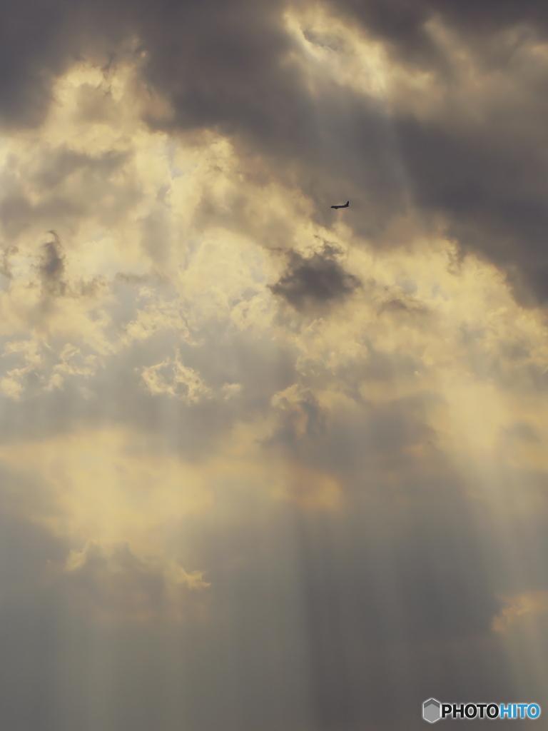 光芒と飛行機