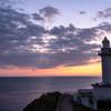 黄昏時の灯台