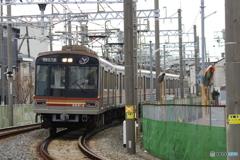 吹田浜田踏切にて大阪メトロ66系