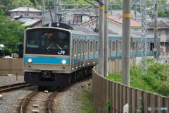 六地蔵駅にて205系
