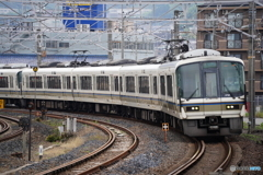王寺駅にて221系