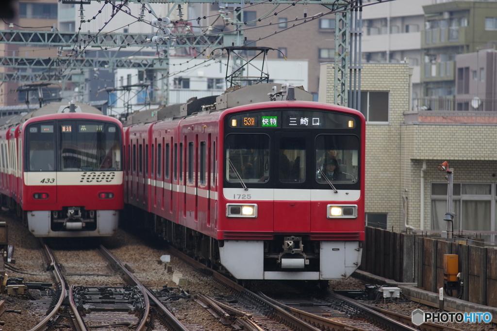 平和島駅にて京急1500形