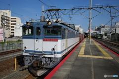 平野駅にてEF65