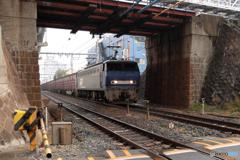 北方貨物線を走るEF200