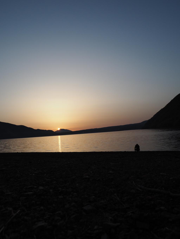 早朝の本栖湖