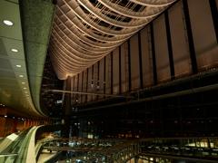 東京国際フォーラム ガラス棟 4