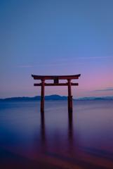 沈む夕日すら美しい