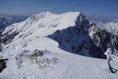 残雪の茂倉岳