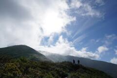 梅雨晴れの稜線