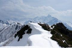雪庇と槍ヶ岳
