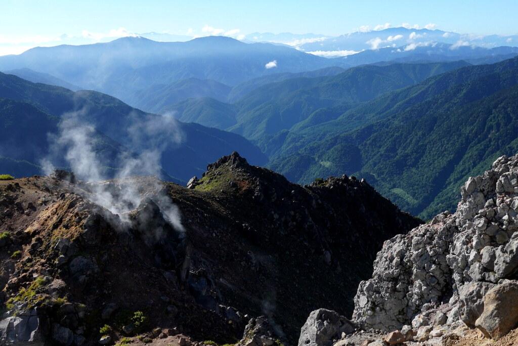 生きる火山