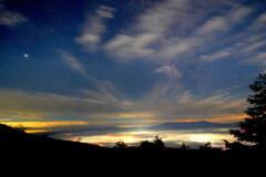 夜景煌めく星空