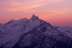 夕日の染まる槍ヶ岳