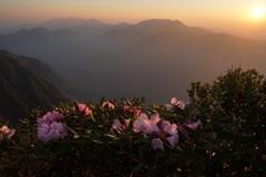 朝焼けの朝日岳