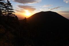 朝陽に輝く浅間山