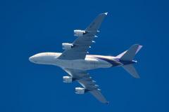 関空上がりのタイエアのA380