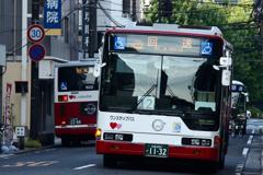 バスのある街並み