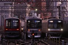 中目黒駅の夕暮れ