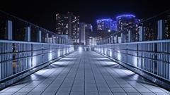 都会の歩道橋